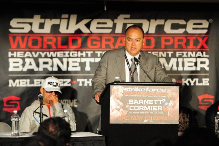 MMA: Strikeforce-Grand Prix Final-Barnett vs Cormier